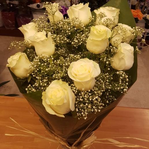 ramo de 12 rosas blancas para enviar a Granada