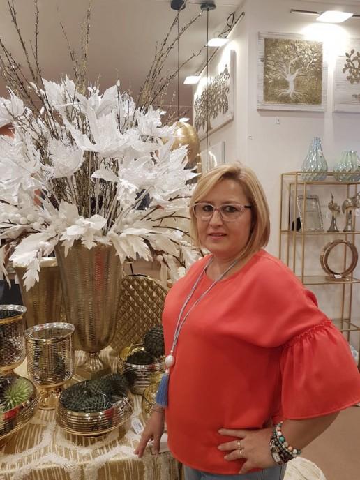 Mari florista de Flores Osuna en Granada